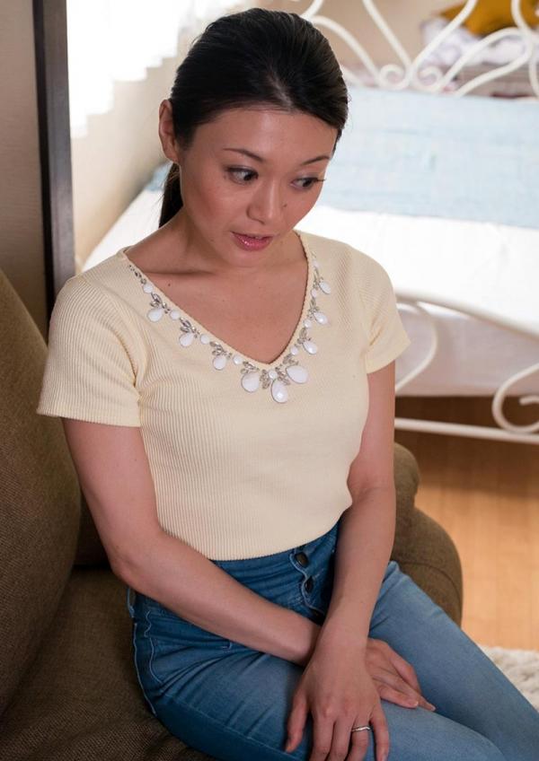 童貞食いの貧乳熟女筆おろし画像 中島京子110枚の017枚目