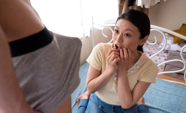 童貞食いの貧乳熟女筆おろし画像 中島京子110枚の037枚目