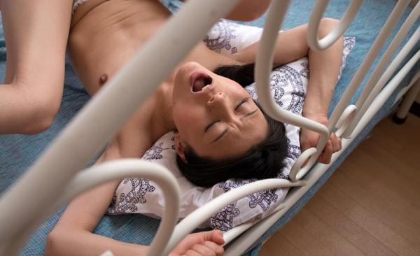童貞食いの貧乳熟女筆おろし画像 中島京子110枚の061枚目