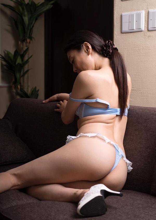 童貞食いの貧乳熟女筆おろし画像 中島京子110枚の098枚目