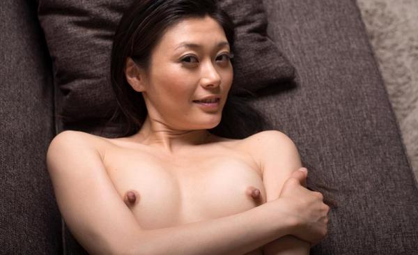 童貞食いの貧乳熟女筆おろし画像 中島京子110枚の110枚目
