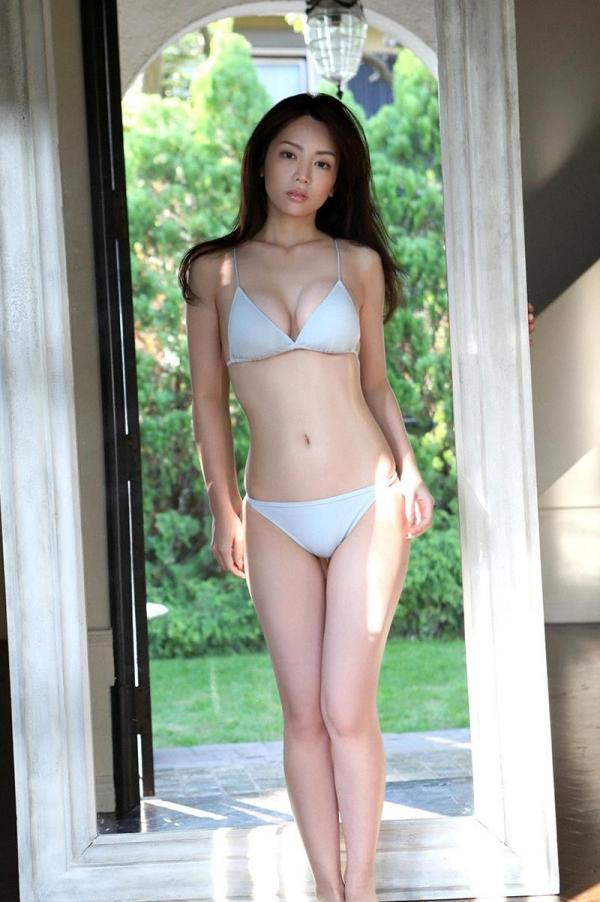 仲村美海の水着画像 美形で巨乳の逸材すぎるグラドル40枚の08枚目