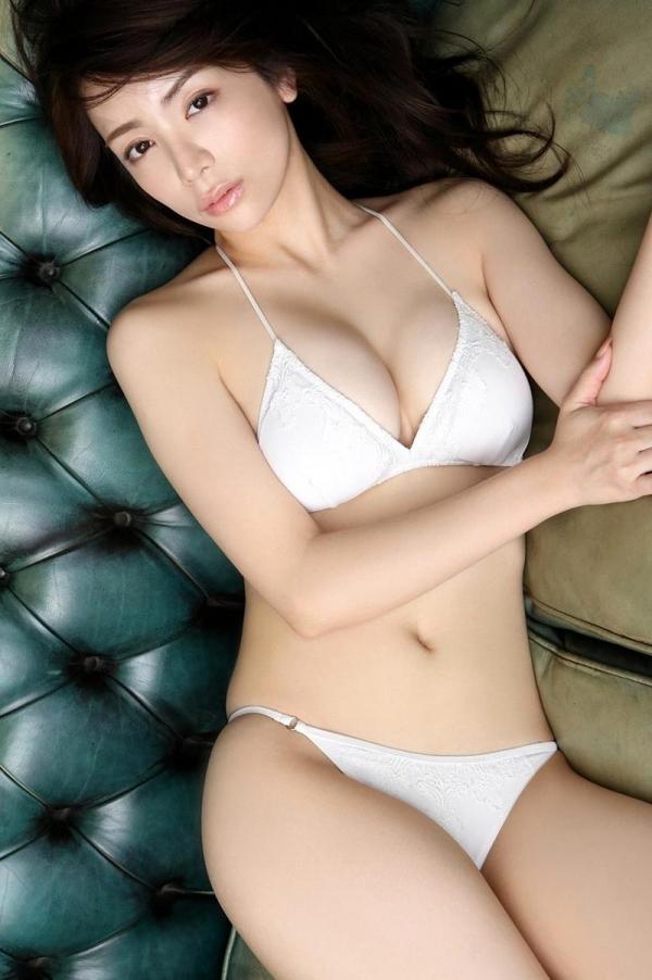 仲村美海の水着画像 美形で巨乳の逸材すぎるグラドル40枚の28枚目
