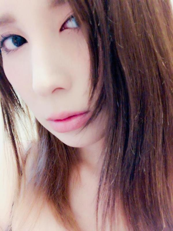 仲村みう ミステリアスな妖艶美女のエロ画像37枚のa18枚目