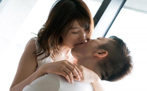 七瀬萌 清潔感溢れるスレンダー美人エロ画像53枚のb18枚目