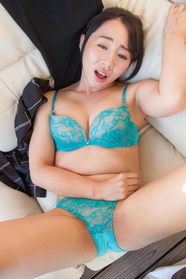 成宮いろは 巨尻のむっちり熟女ヌード画像80枚の18枚目