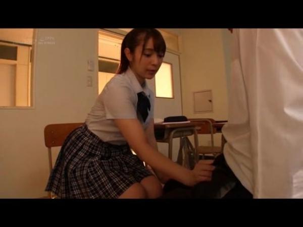 成宮りか ハーフのアイドル級美少女エロ画像42枚のc056番