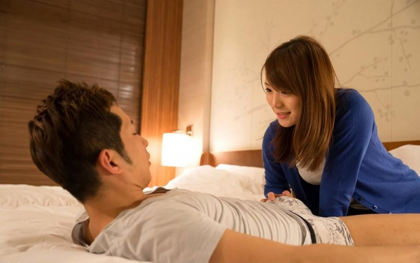 鳴美れい(鳴海れい)スレンダー美乳の秋田美人エロ画像90枚のb018枚目