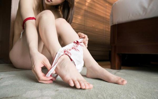鳴美れい(鳴海れい)スレンダー美乳の秋田美人エロ画像90枚のb059枚目