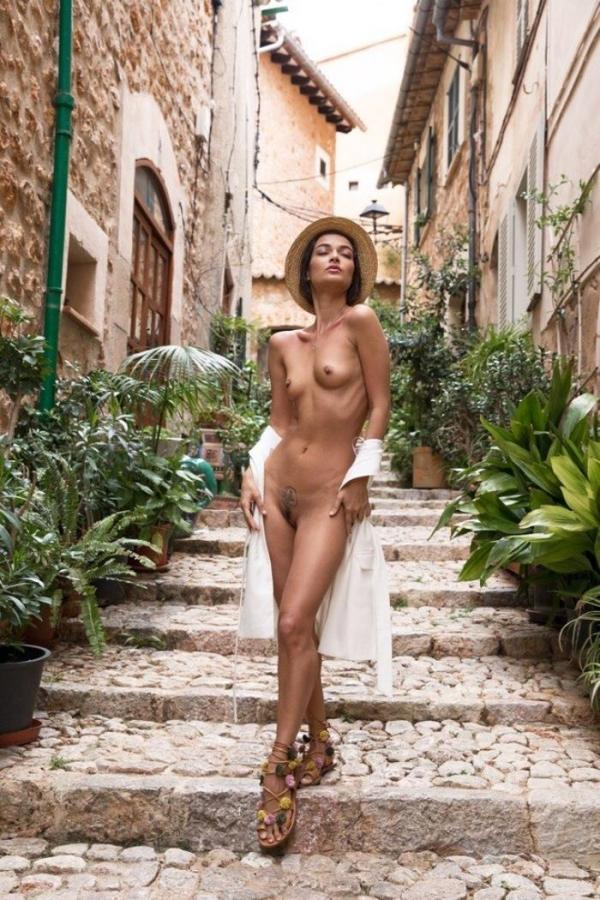 Naya Mamedova(ナヤ マメドヴァ)ロシアの人気モデル2穴同時挿入のハメ撮り画像が流出!33枚の10枚目