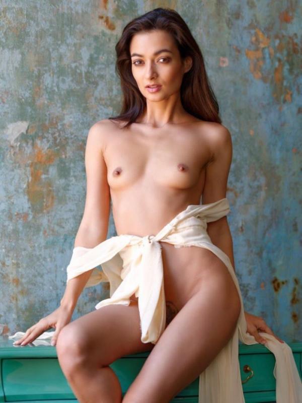 Naya Mamedova(ナヤ マメドヴァ)ロシアの人気モデル2穴同時挿入のハメ撮り画像が流出!33枚の27枚目