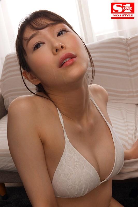 新名あみん 小顔でスレンダーな純白巨乳の美少女エロ画像47枚のc07枚目