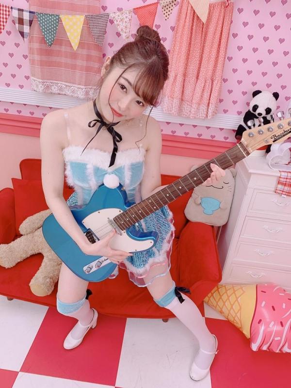 新名あみん ウェスト55cm F巨乳の美形少女エロ画像40枚のa07枚目