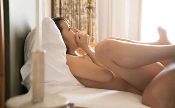 二宮ナナ ハーフ風の巨乳美女SEX画像 a048