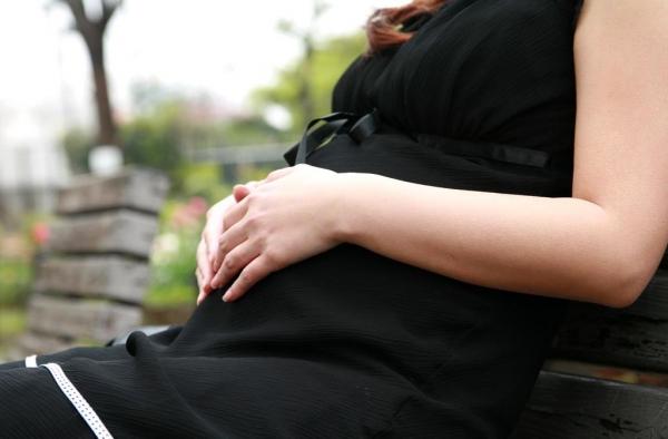 妊婦のエロ画像 性欲マックスで感度抜群な妊娠中のセックス56枚の04枚目