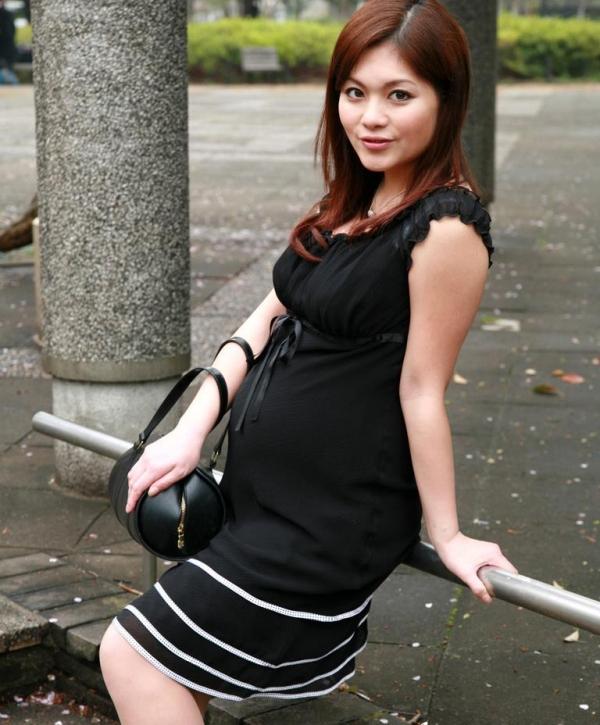 妊婦のエロ画像 性欲マックスで感度抜群な妊娠中のセックス56枚の06枚目