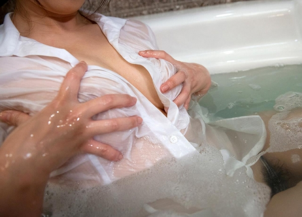 野々宮みさと Fカップ美乳のスレンダー美女エロ画像80枚の034枚目
