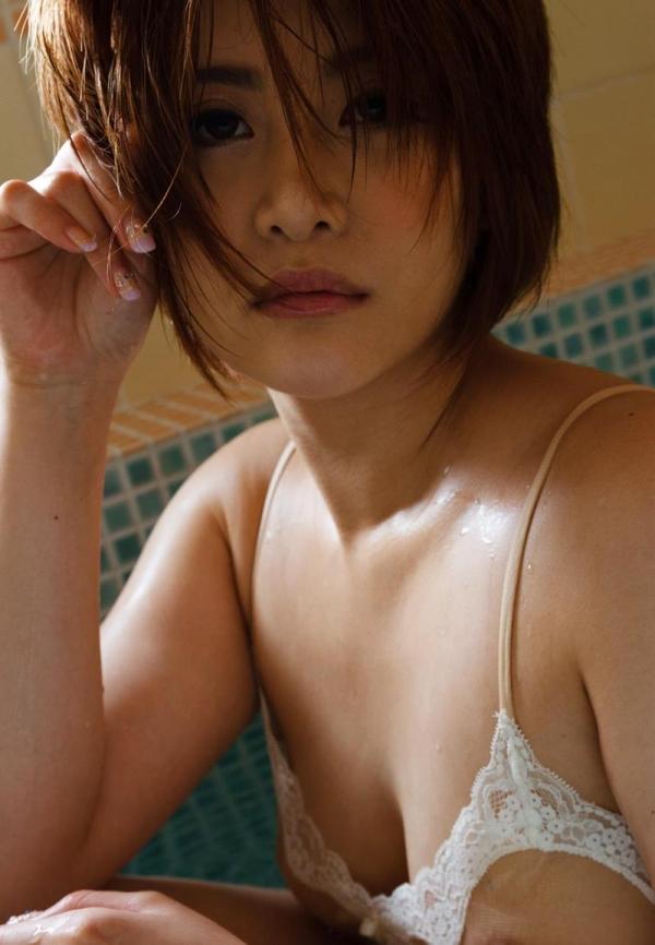 びしょびしょに濡れた美女 濡れフェチエロ画像70枚の043枚目