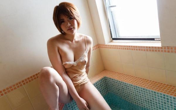 びしょびしょに濡れた美女 濡れフェチエロ画像70枚の050枚目