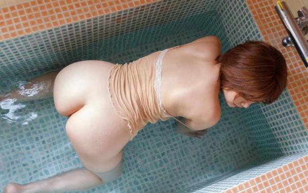 びしょびしょに濡れた美女 濡れフェチエロ画像70枚の053枚目