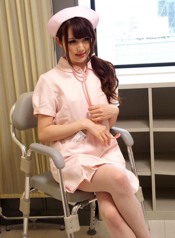 ナースエロ画像 ピンク色の白衣を着たエッチな看護師さん40枚の006枚目