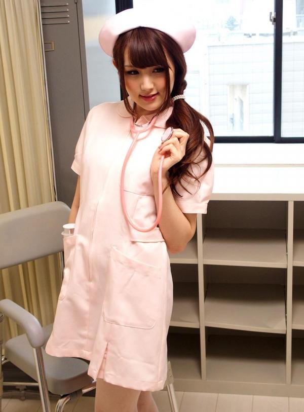 ナースエロ画像 ピンク色の白衣を着たエッチな看護師さん40枚の008枚目