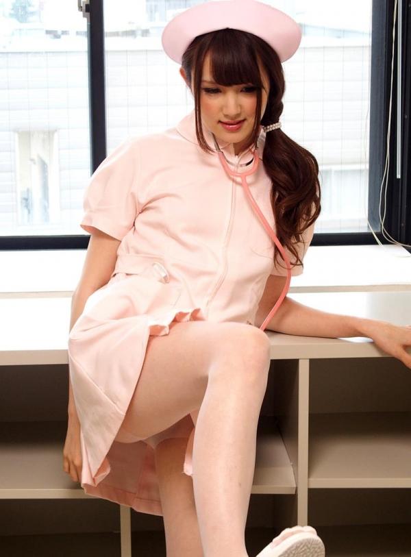 ナースエロ画像 ピンク色の白衣を着たエッチな看護師さん40枚の010枚目
