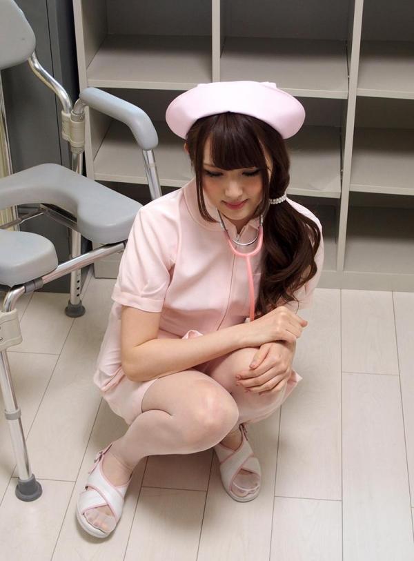 ナースエロ画像 ピンク色の白衣を着たエッチな看護師さん40枚の011枚目