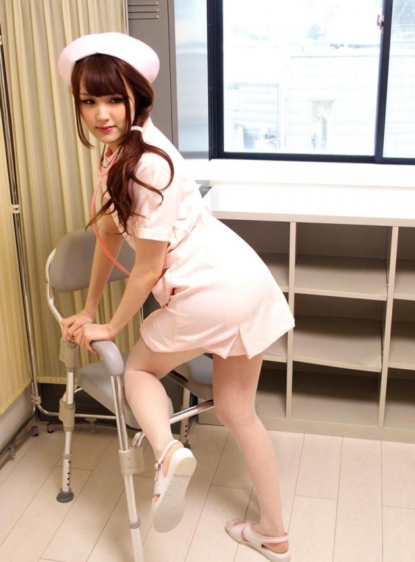 ナースエロ画像 ピンク色の白衣を着たエッチな看護師さん40枚の016枚目