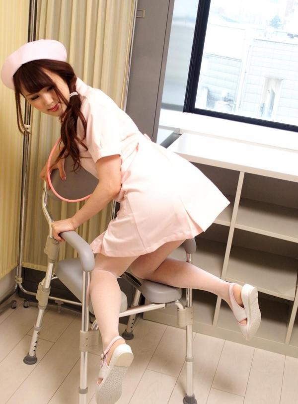 ナースエロ画像 ピンク色の白衣を着たエッチな看護師さん40枚の017枚目