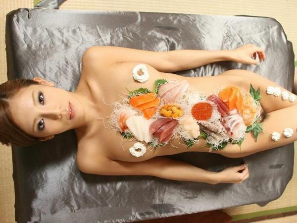 女体盛り画像 新鮮な海の幸を裸体とともに頂く変態の宴30枚の006枚目