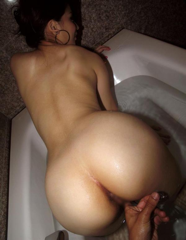 情事の後の入浴画像 精液に唾液、汗やマン汁を洗い流す女達33枚の003枚目