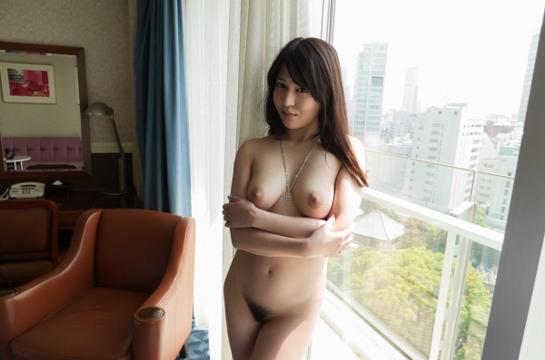 荻野舞 むっちり美女中出しセックス画像100枚の060枚目