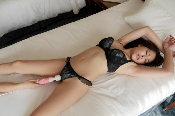 荻野舞 むっちり美女中出しセックス画像100枚の061枚目