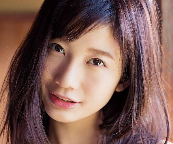 小倉優香 凄いカラダ美巨乳ビキニ水着画像 1