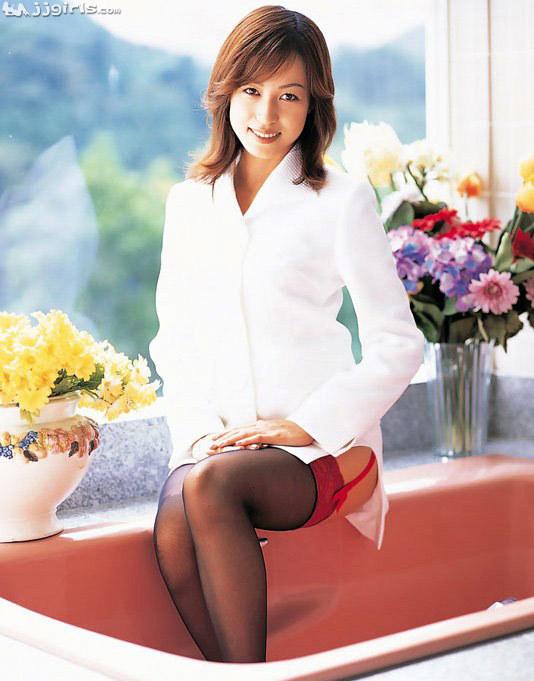懐かしのエロス 及川奈央(おいかわなお)スレンダー美女エロ画像45枚の025枚目
