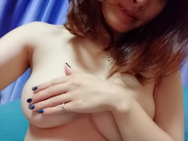 本庄優花(及川朋子)透き通る様な美白肌を持つ人妻のエロ画像60枚の006枚目