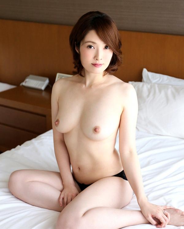 本庄優花(及川朋子)透き通る様な美白肌を持つ人妻のエロ画像60枚の026枚目