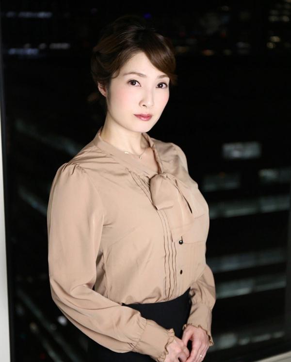 本庄優花(及川朋子)透き通る様な美白肌を持つ人妻のエロ画像60枚の045枚目