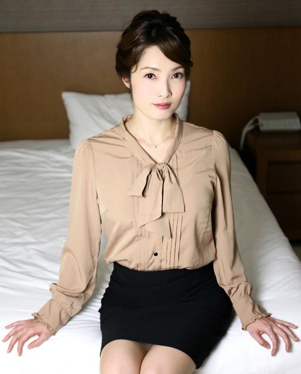 本庄優花(及川朋子)透き通る様な美白肌を持つ人妻のエロ画像60枚の046枚目