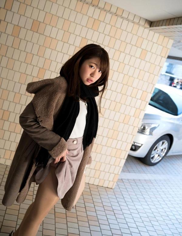 マン汁ダダ漏れでオナニーする女 沖田里緒画像50枚の004枚目