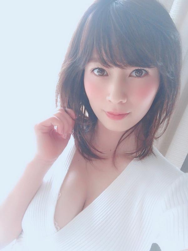 Hカップ爆乳の奥田咲が毎日じっとり汗だく交尾エロ画像41枚のa1枚目