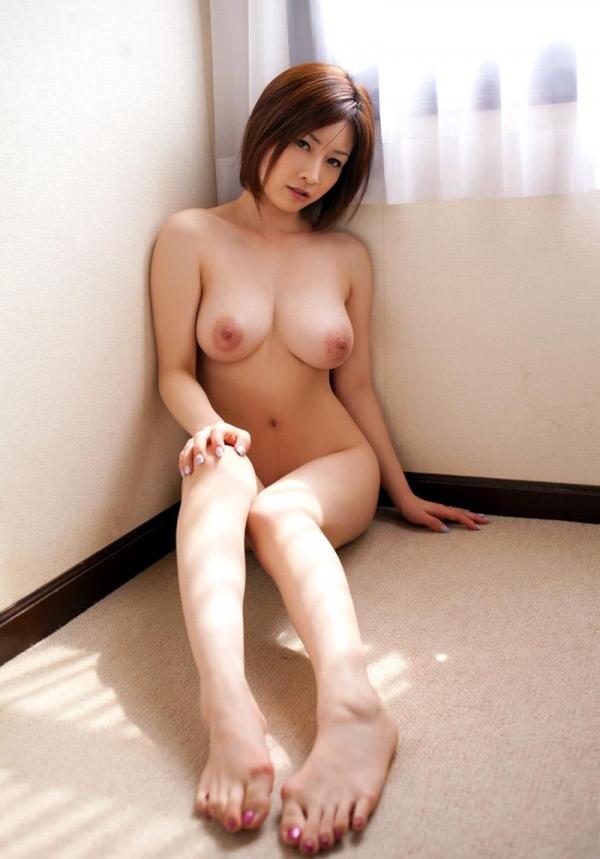 Hカップ爆乳の奥田咲が毎日じっとり汗だく交尾エロ画像41枚のb21枚目