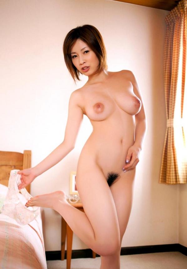 奥田咲 低身長 小柄なHカップ爆乳美女エロ画像75枚の027枚目