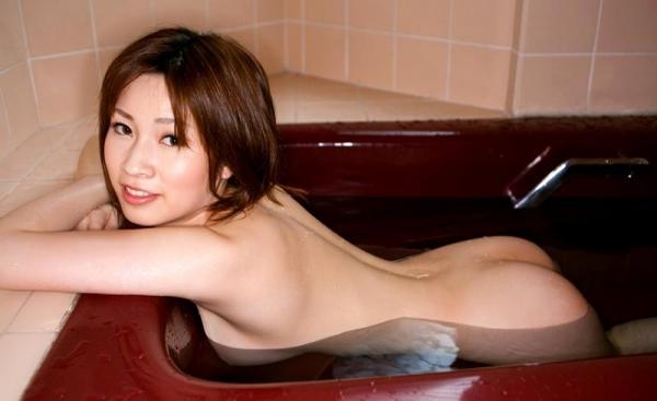奥田咲 低身長 小柄なHカップ爆乳美女エロ画像75枚の048枚目