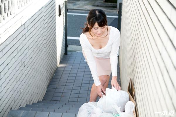 美熟女 奥村沙織 朝ゴミ出しする近所の遊び好きノーブラ奥さん画像41枚の002枚目