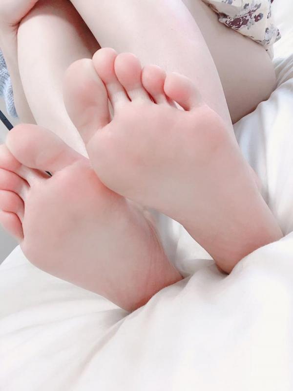 大浦真奈美(おおうらまなみ)スリムで巨乳な美少女エロ画像88枚のa003枚目