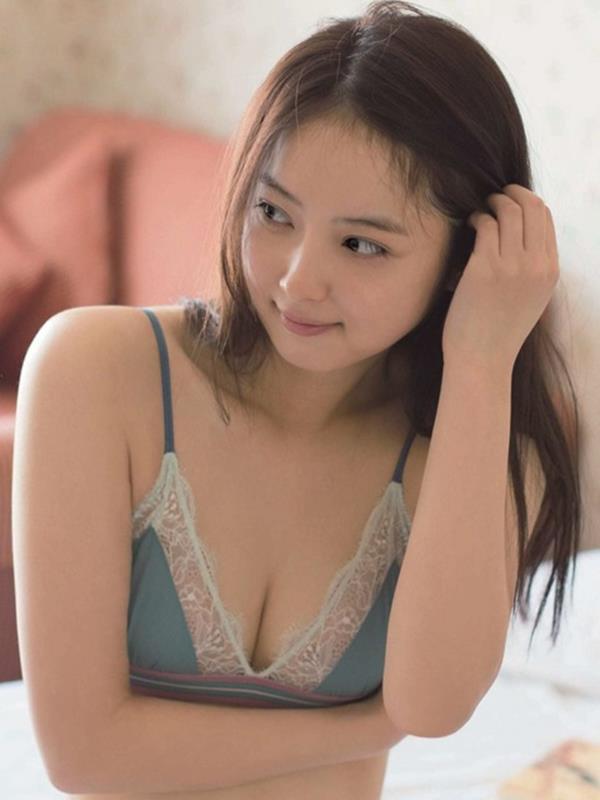 おっぱい 男の大好物 美女達の乳房エロ画像60枚の049番