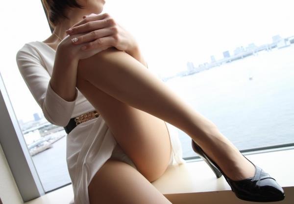 着衣セックス画像 半脱ぎで交わるエロス120枚の04枚目