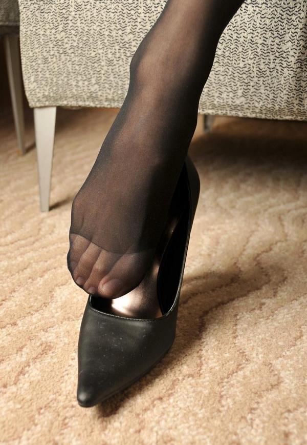 パンストつま先画像 美女の艶っぽい足先足裏60枚の11枚目